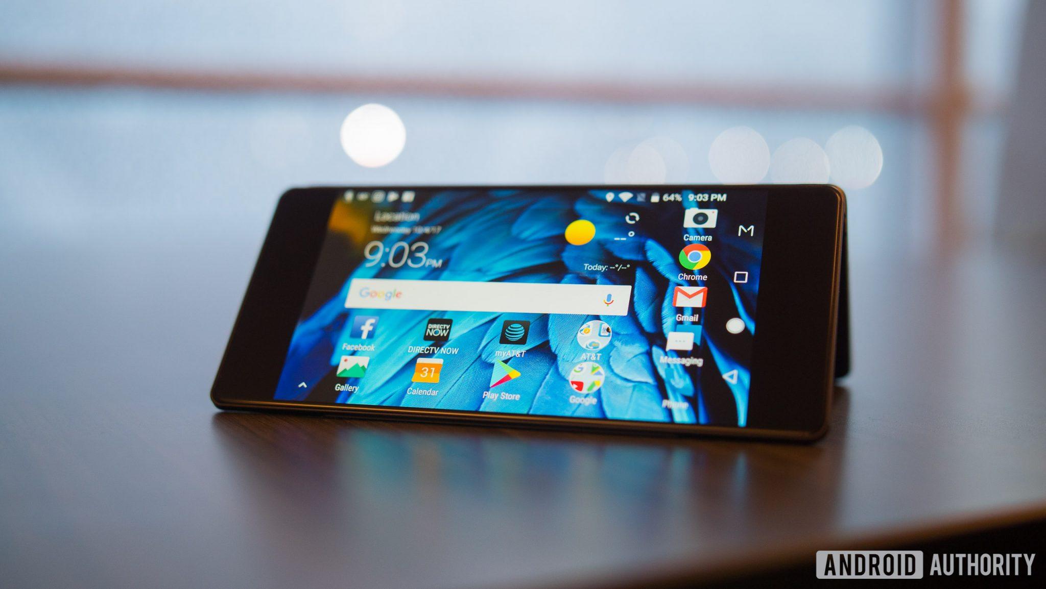 İki Ekranlı Katlanır Telefon