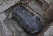Büyük İskender mezarı