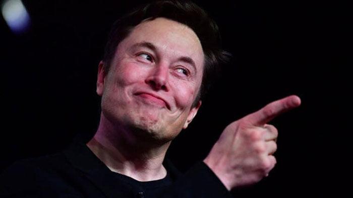 Elon Musk bir anda zenginliğini arttırdı